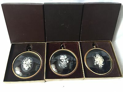 Vintage Wall Plaques -flowers Cameos Set Of 3 Peter Bates Made In England