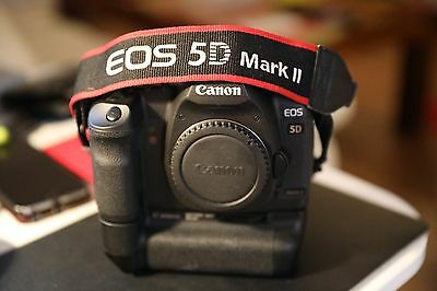 Canon EOS 5D Mark II 21.1MP Digital SLR Camera - With Battery Grip