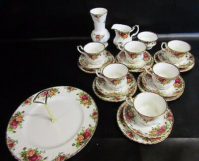 Royal Albert Old Country Roses - 21 Piece Tea Set & A Posy Vase