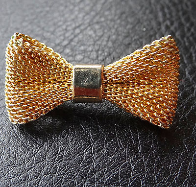 vintage mesh textured 3D ribbon bow gold tone brooch 1970s -C32