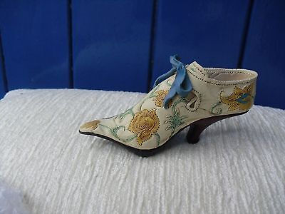 """JUST THE RIGHT SHOE""   "" BROCADE COURT "" 1998  no 25002"