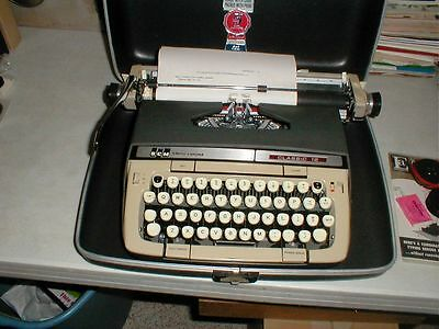 Vintage Smith-Corona Classic 12 Manual Portable Typewriter w/ Case New Ribbon