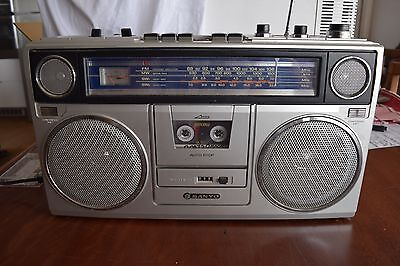 Sanyo M 9940K Vintage Boombox Cassette Tape Radio Made in Japan