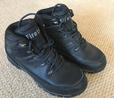 BOYS FIRETRAP Black boots Size 5 (Worn Once)