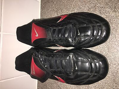 MENS FOOTBALL BOOTS from NIKE size UK 9 EXCELLENT CONDITION