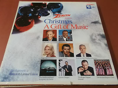 Christmas: A Gift Of Music: Vinyl Lp Made In U.s.a.: Bing Crosby: Peggy Lee U.a.