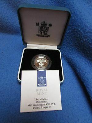 Silver Proof £1 coin 1990 with the Welsh national emblem, case, box, certificate