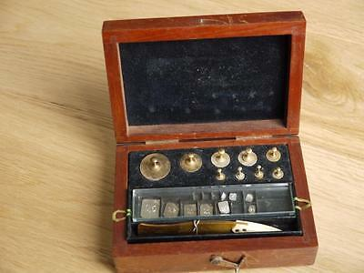 Superb Vintage Set Of Brass Apothecary Chemist Weights In Quality Wooden Case