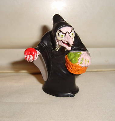 Disney Snow White Evil Queen As Old Hag W/ Basket & Apple Pvc Figure Cake Topper