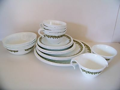 Vintage, Corelle 26 Piece-Spring Blossom Crazy Daisy Dinnerware Set (Read)