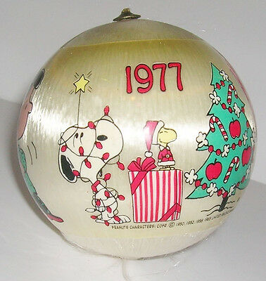 True Vintage 1977 Peanuts Ornament Fabric Ball Woodstock Charlie Brown Lucy