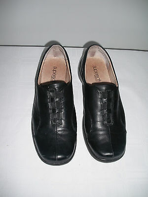 Supersoft by Diana Ferrari Kendall Black closed in slip on shoes  Size 7 ½ c