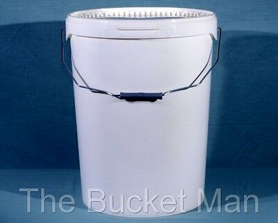 2 x 25 Ltr Litre White Plastic Buckets with Lid and Metal Handle