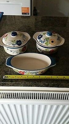 2 small casserole dish and serving dish