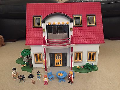 Playmobil 4279 Suburban House c/w Figures & Accessories