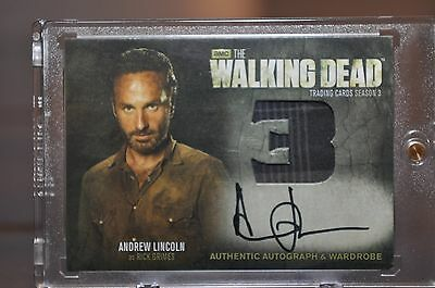 Walking Dead Season 3 DUAL Autograph and Wardrobe Card ANDREW LINCOLN  RICK  AM9