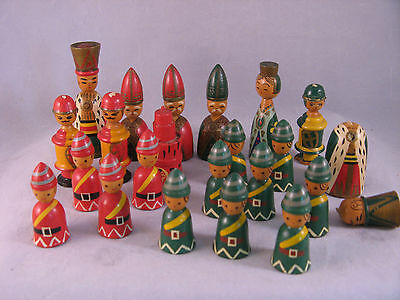 Vintage 20 Wood Hand Carved & Painted Chess Pieces Red/Green Nice Detail USED