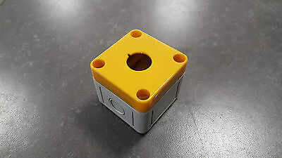 PVC Station - Enclosure / Yellow / 1 Gang 50x50