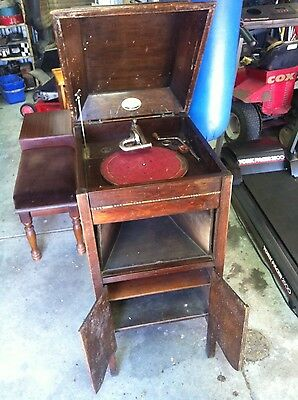 Antique The Playola Maples wind up Gramophone