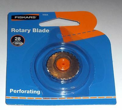 Fiskars 28mm perforating Rotary Cutter Blade 9904 fits 9902/9908