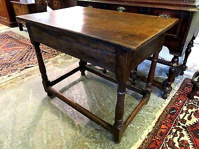 EARLY 1700s SOLID OAK ANTIQUE 2 PLANK SIDE TABLE WITH ORIGINAL STRETCHERS