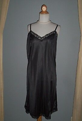 Retro Look Silky Jet Black Nylon and Lace Full Slip Voluptuous Glamour Sz 42