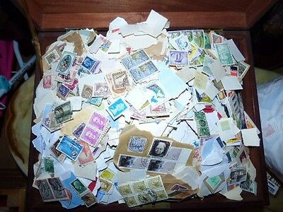 KILOWARE - 5Kg GB AND WORLDWIDE  STAMPS  /sa.b/