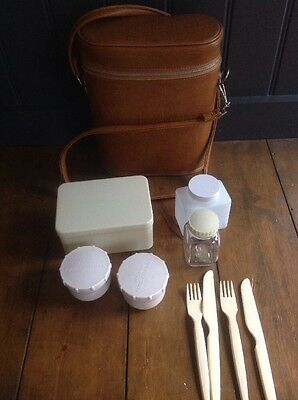 Vintage 1960's Portable Pic Nic Set Made In England Carry Case