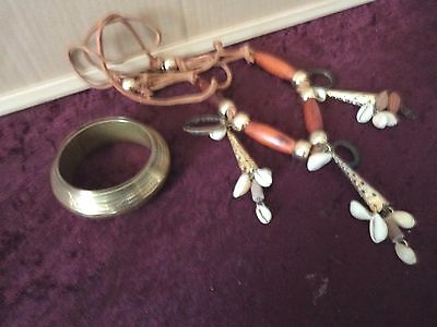Vintage Womens BRASS BANGLE & LEATHER/WOOD/SHELL NECKLACE