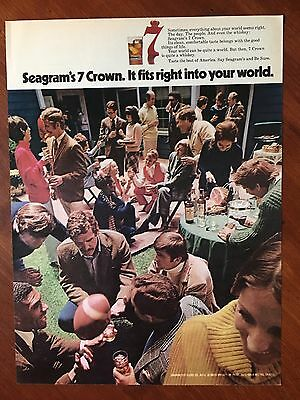 1972 Original Print Ad SEAGRAM'S 7 CROWN Whisky ~fits right into your world~