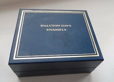 Boxed With Certificate HALCYON DAYS Enamels Parrot Tulips In A Vase Pill Box Nr