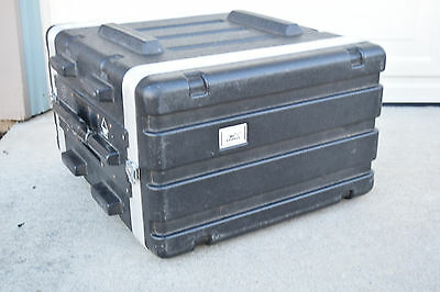 MBT cases SKB 6 space deluxe equipment rack excellent-used rack for sale