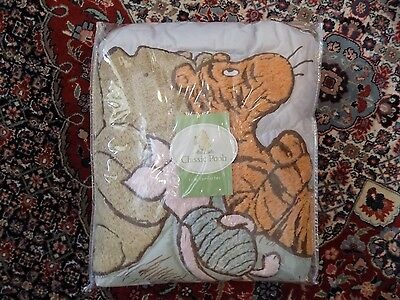 New in Package Classic Pooh Piglet Tigger Baby Crib Comforter Quilt Boy or Girl