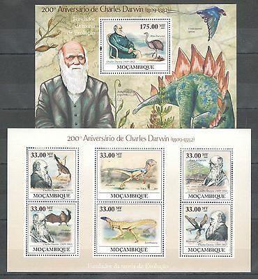 A321 2009 Mocambique Famous People Charles Darwin Reptiles Dinosaurs 1Kb+1Bl Mnh
