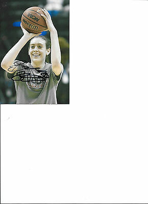 Breanna Stewart -Current basketball player  -  AWESOME 4x6 AUTOGRAPHED  PHOTO