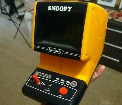Nintendo snoopy game and watch 1983