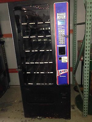 **NO RESERVE** USI Snack Candy/ Chip 27 Selection Vending Machine