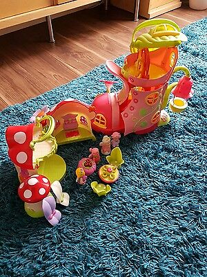 Early learning centre Happyland Boot and Mushroom set plus Figures