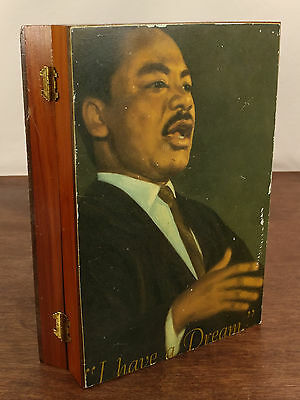 Vtg. 1987 Martin Luther King Jr. Remembrance Edition Holy Bible W/ Keepsake Box