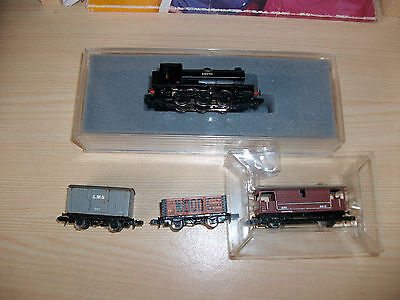 Graham Farish n gauge locomotive and wagons