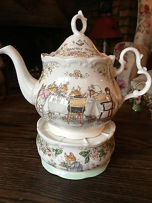 Royal Doulton Brambly Hedge Large Teapot and Teapot Warmer (Rare) - Excellent
