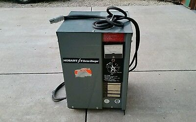 Hobart R Series Battery Charger  Ph1 Model 450A1-12R