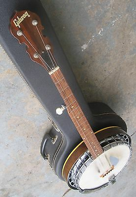 1968 Gibson RB-100 Five-String Banjo w/ Original Hard Case. Very Nice Condition.