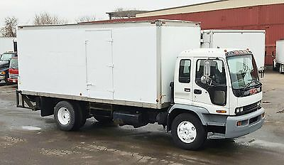 2004 GMC T7500 / 1 owner / Service Records / 20' / 178,000 / Auto / Turn-Key