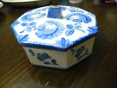 vintage Delft style pottery lidded dish octagonal EricKely mark? hand decorated
