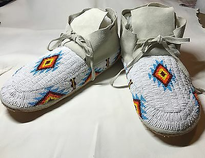 Beautiful New Lakota Sioux Beaded Mens Moccasins