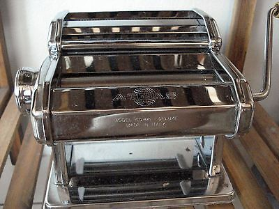 Atlas Model 150mm Deluxe Pasta Roller in as new condition!