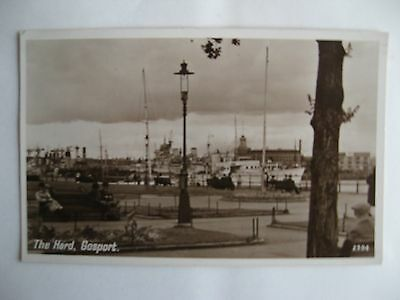 Collectable Postcard of Gosport. The Hard. Hampshire.