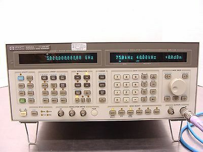 Agilent / HP 8664A Synthesized Signal Generator 100KHz-3GHz w/ Opt 004 Low Noise