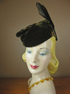 Vintage 30s 1930s Raw Umber Brown Silk Velvet Folded Toque Hat Feathers E37